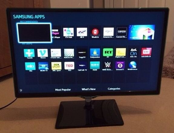 1 year old 24 inch Samsung Smart TV for Sale | in Swindon, Wiltshire