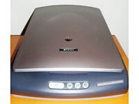 Epson 2400 Photo and Slide Scanner for sale - 2400 x 4800 dpi resolution