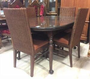 Ethan Allen Dining Table Set with 'Shiloh' Parson Chairs
