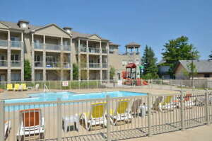 WATERFRONT WASAGA BEACH CONDO FOR LEASE / RENT! MAIN FLOOR! WOW!