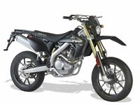 *MOTORCYCLE* 66 PlateRieju MRT 125LC Pro SM Trophy. Warranty. Free Delivery. Main Dealer 22-11