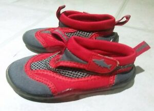 Joe Fresh Red & Grey Shark Water Shoes (Size 7)
