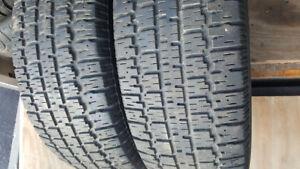 2 pneu d'hiver B.F.GoodRich 205 70R 15 bon etat