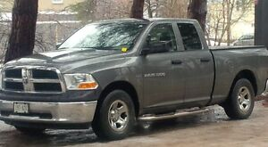 2011 Dodge Power Ram 1500 Cloth split front bench Pickup Truck