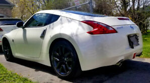 Summer fun is around the corner ! Immaculate 2016 370Z low kms