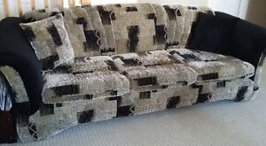 SOFA & LOVESEAT + ACCENT PILLOWS- MADE IN CANADA (REDUCED PRICE) London Ontario image 2