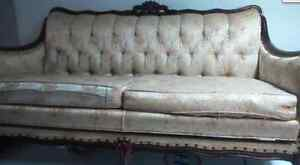 divan antique 245$