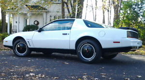 Firebird Trans-Am 1982