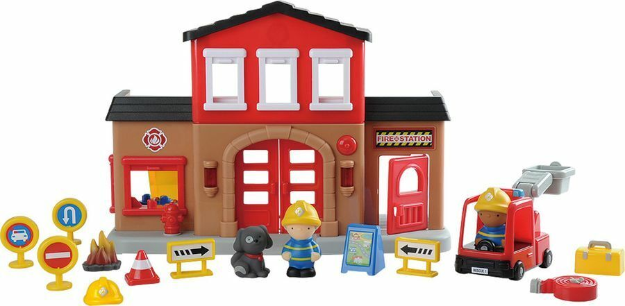 CHAD VALLEY TOTS TOWN FIRE STATION WITH LIGHTS AND SOUNDS PLAY SET