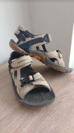 Merrell Womens Sandals Kahuna Cream Black size 5
