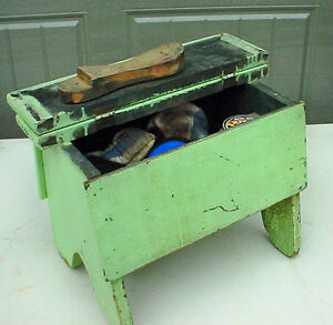 Antique authentic shoe shine box with contents London Ontario image 3