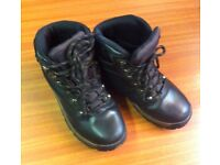 BROWN LEATHER WATER PROOF WALKING / HIKING BOOTS - UK SIZE 7 & MANY OTHER DUKE OF EDINBURGH ITEMS