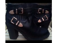 *REDUCED* Ladies Black Boots / Shoes