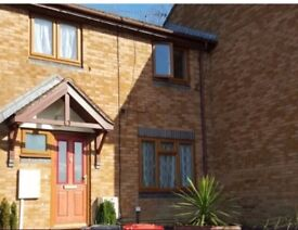 3 bed house, 2 car drive Crawley West Sussex