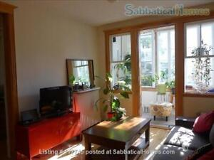 Sunny 2-bedroom apt in Outremont -- long-term starting Aug 18