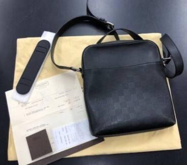 Louis Vuitton District Pochette Damier Infini 100% Genuine