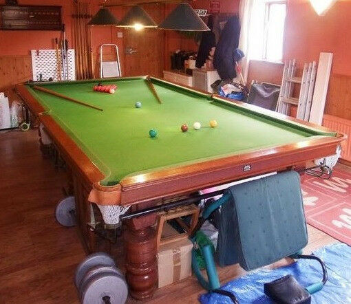Snooker Table   3/4 Size (10ft X 5ft) Genuine Slate Bed Mahogany