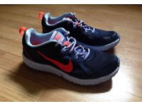 Nike trainers - size 6. Fantastic condition!