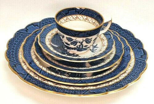 Booths Real Old Willow Gold Scalloped Rim 5 Pc Place Setting A8025