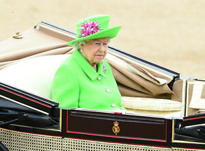 QUEEN ELIZABETH II, 90th BIRTHDAY TROOPING THE COLOUR. 6X4 PHOTO