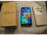 Samsung Galaxy S5 UNLOCKED to all network with box, charger and FREE Case