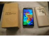 Samsung Galaxy S5 immaculate condition Unlocked with original charger and Box