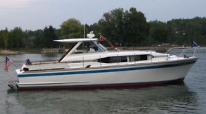 Chris Craft Roamer 37