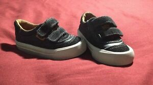 Zara Shoes Boys/ Souliers Zara - In Excellent Condition