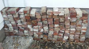 briques rouges usagées / used red bricks • environ / around 130 West Island Greater Montréal image 3