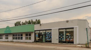 URGENT - Commercial building WITH Kindergarden for sale