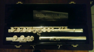Armstrong model 102 flute.
