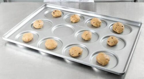 CHICAGO METALLIC 41005 Hamburger Bun/MuffinTop/Cookie Pan,12-On **FREE SHIP**