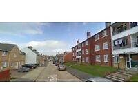 2 bed 1st floor flat in Kings Road, East Cowes in Isle Of Wight