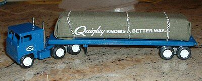 Quigley Knows a Better Way Flatbed silver chain '81 Winross