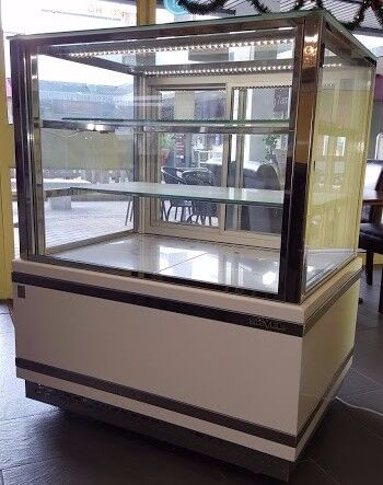 Large Pastry Display Cabinet