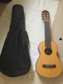 Amazing Travel guitar ! Yamaha Guitalele