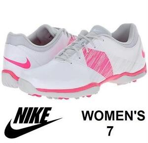 WOMENS NIKE DELIGHT GOLF SHOES- SIZE 7