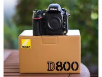 Nikon D800 in mint condition with battery grip