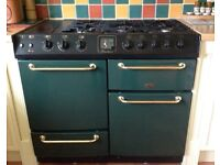 Belling gas range with 2 ovens, 5 rings, warming plate and extractor hood