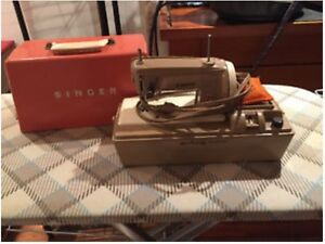 Singer 50D toy sewing machine
