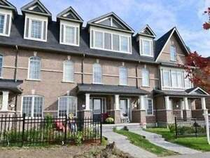 3-Storey Modern Townhouse 2 Bed / 2 Bath