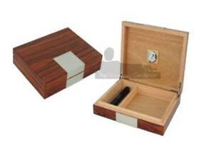 15 COUNT HIGH GLOSS ROSEWOOD VENEER TRAVEL CASE HUMIDOR Chadstone Monash Area Preview
