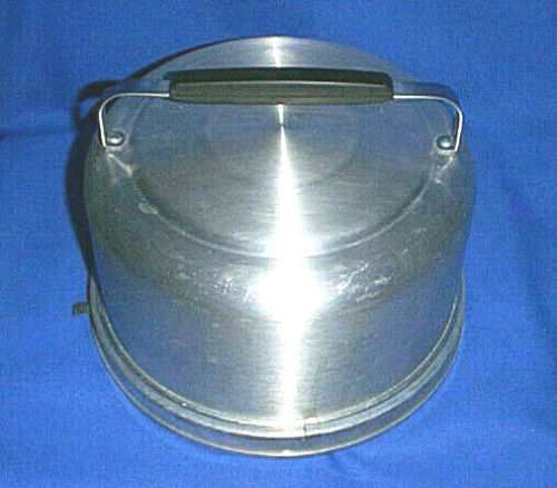 Vintage MIRRO #2002KM Aluminum Locking Tall Cake Taker /Food Carrier with Handle