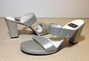 Silver leather stacked heel Nine West wide strap sandals size 8 Cambridge Kitchener Area image 1