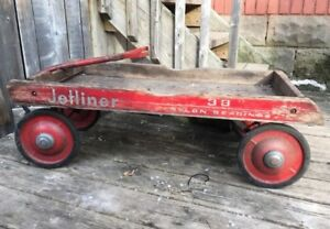 Vintage 60's child wooden wagon toy old patina.