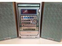 AIWA XR-M150 Stereo - cd, tape and radio
