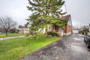 1 Bedroom Available in Renovated Fanshawe Student Home!