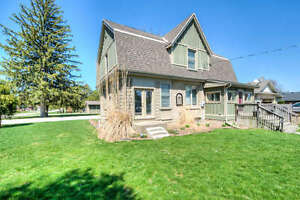 Gorgeous Komoka residence--fresh open concept on .44 acres