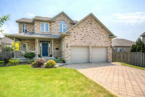 4 BEDROOM FAMILY SIZED TWO STOREY IN THE HEART OF BYRON!