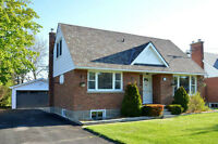 RENOVATED 5 BEDROOM HOME IN OWEN SOUND!
